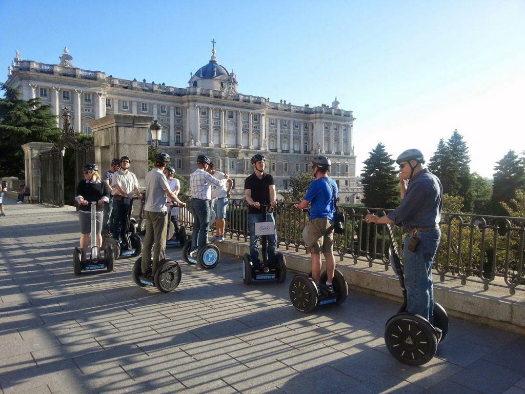 Planes en Madrid en Familia para el Verano - Guía Turística y Dónde Alojarse